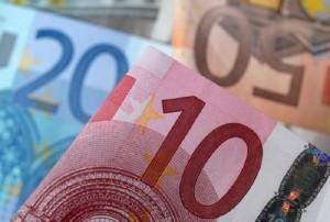 Euro rises on German data, ECB's Weidmann, dollar slips