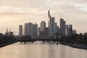 German 10-Year Bond Yield Rises Above 1%